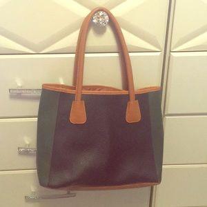 💚 Neiman Marcus Bag  Faux pebbles leather tote 💚
